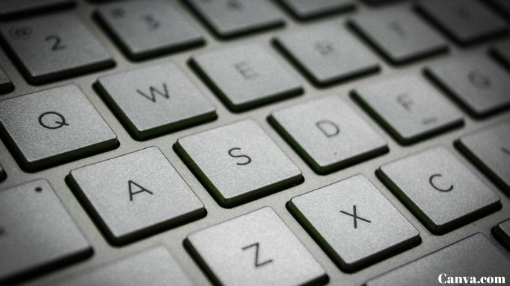 Um-teclado-de-computador-moderno-representando-a-palavra-viver-de-vendas-online